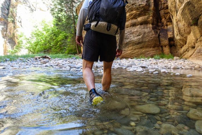 giày leo núi chống nước